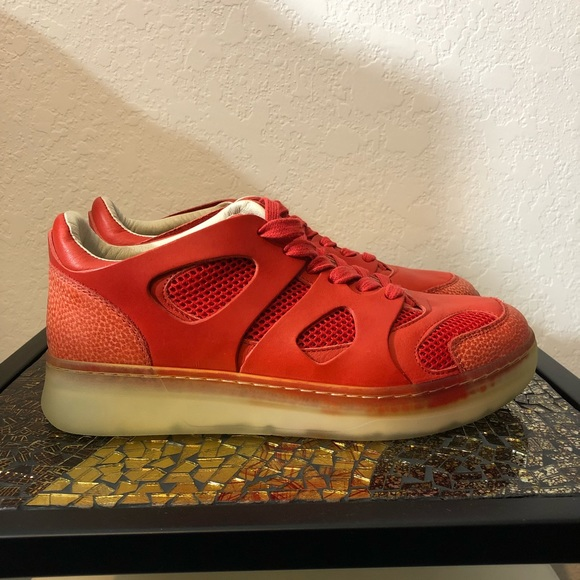 differently ee6fb 763f7 Puma McQueen x Mobe Lo NWT